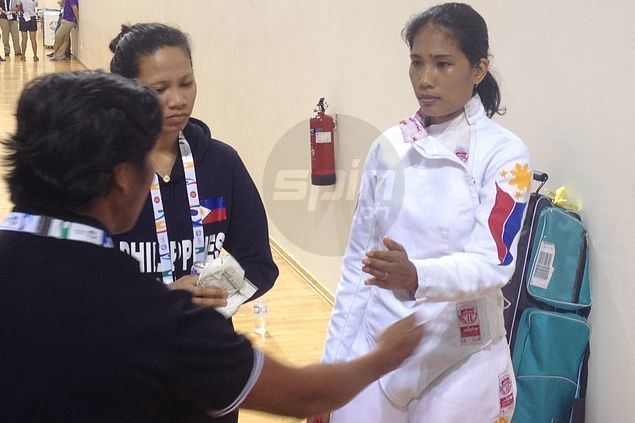 Harlene Raguin Harlene Raguin falls short against Vietnamese foe as fencing gives