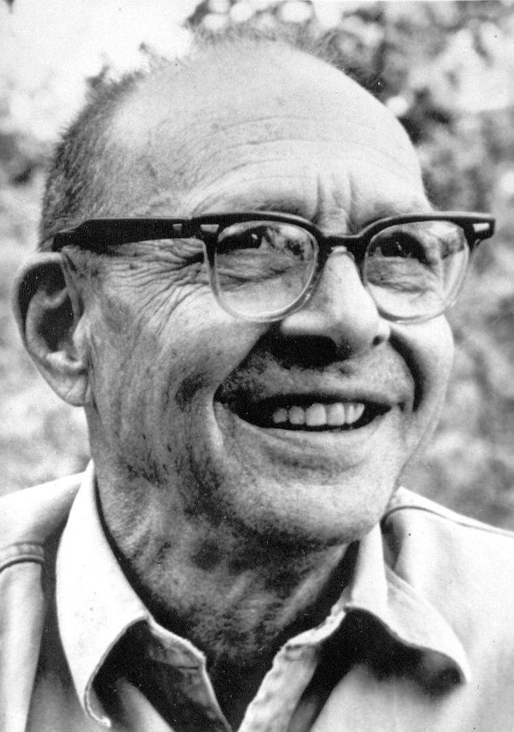 Harry Behn httpsuploadwikimediaorgwikipediacommons44