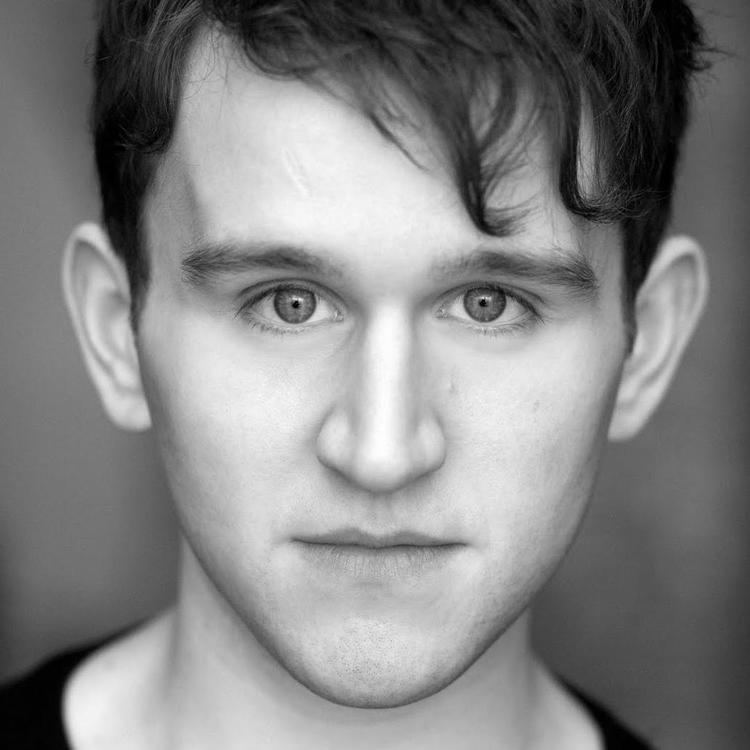 Harry Melling (actor) httpsapicurtisbrowncoukmedia47404showsquare