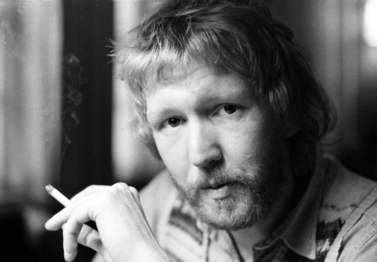 Harry Nilsson How Harry Nilsson39s Troubled Childhood Inspired Great