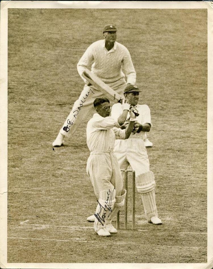 Harry Stanley (cricketer) Harry Stanley Squires Surrey 19281949 Original sepia press