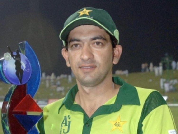 Hasan Raza (Cricketer)