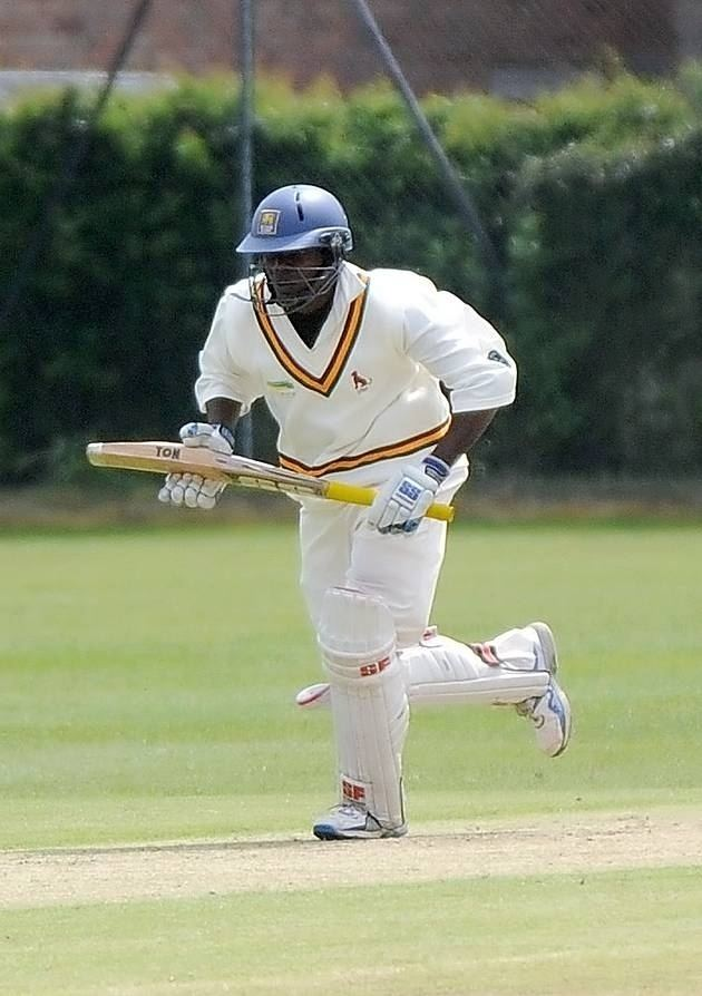 Hasantha Fernando (Cricketer) family