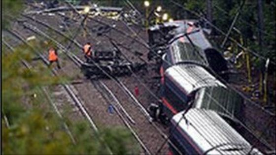 Hatfield rail crash Church services mark Hatfield train crash anniversary BBC News