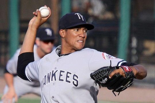 Héctor Noesí Hector Noesi Starting Today for Yankees