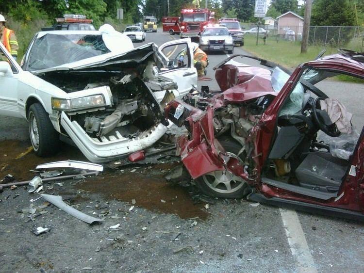 Head-on collision httpsthemountainnewswafileswordpresscom2011
