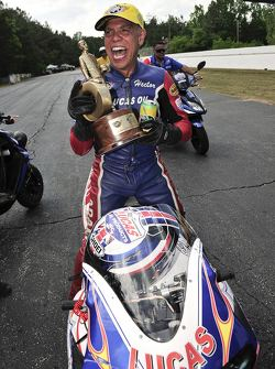 Hector Arana Pro Stock Motorcycles Hector Arana JR has no problem with motivation
