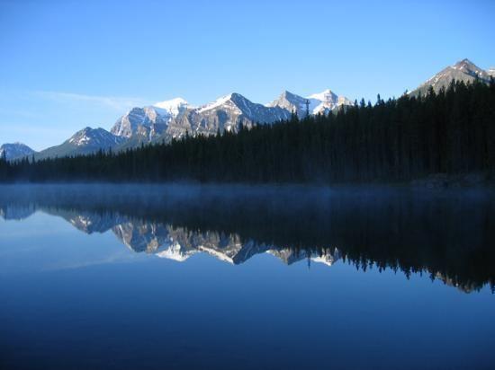 Hector Lake httpsmediacdntripadvisorcommediaphotos00