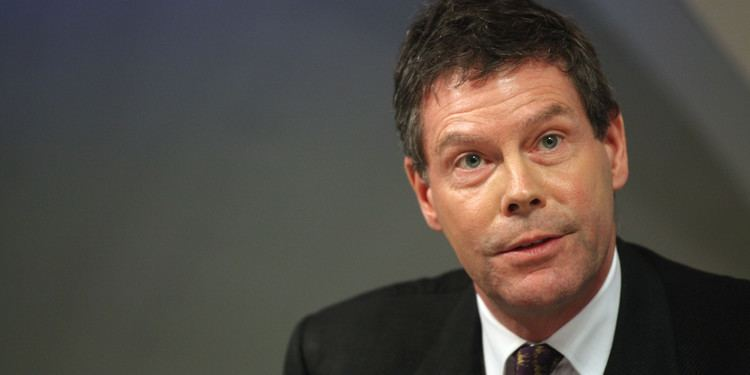 Hector Sants Hector Sants Barclays Compliance Chief Quits Temporarily
