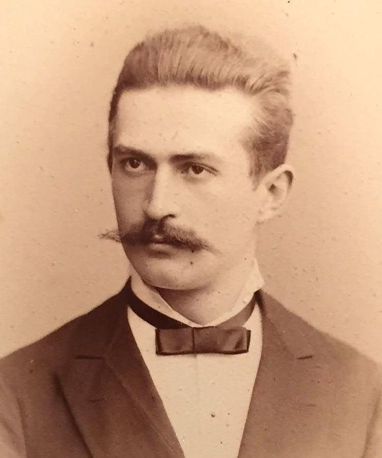 Heinrich Lhotzky httpsuploadwikimediaorgwikipediacommonsbb