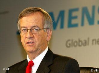 Heinrich von Pierer Former Siemens boss agrees to damages Germany DWCOM