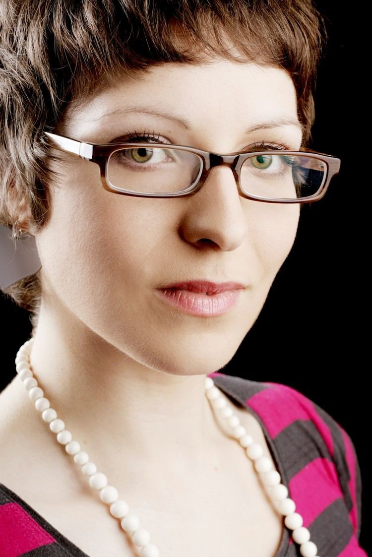 Helen Arney helenarneypress6 Isabelsswing39s Blog