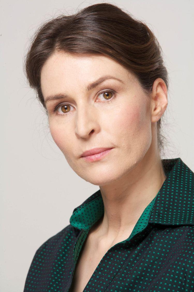 Helen Baxendale (born 1970)