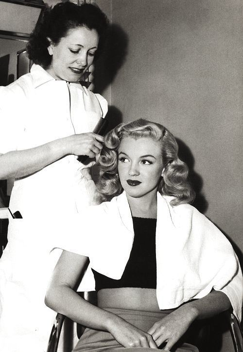 Helen Hunt (hair stylist) Helen Hunt Biography