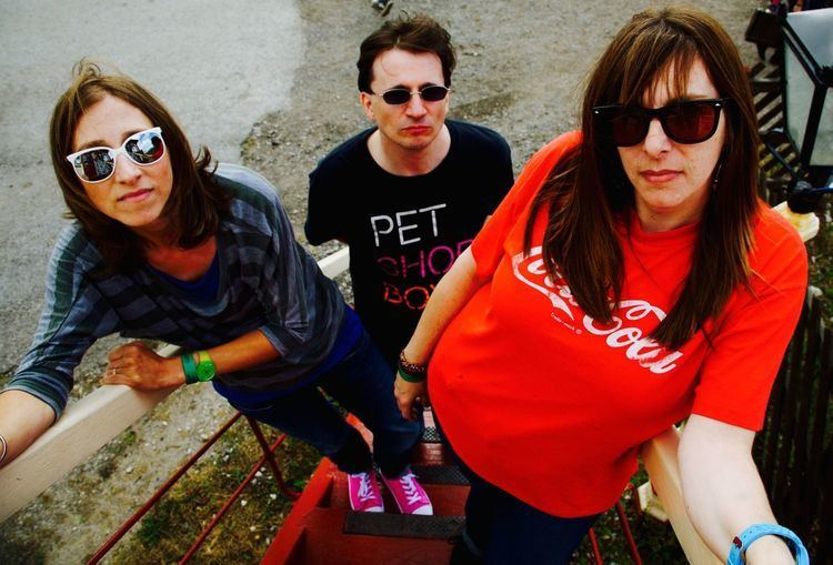 Helen Love Helen Love announce new LP and share new single 39First Girl From