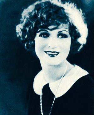 Helen Lynch httpsuploadwikimediaorgwikipediacommons99