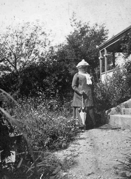 Helen McRae Stace Stace Helen McRae Helen McRae Stace Robin Hood Bay 1890s Te