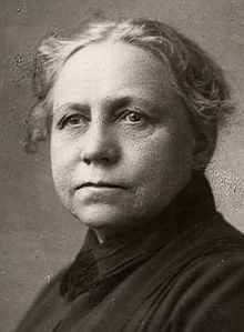 Helga Helgesen httpsuploadwikimediaorgwikipediacommonsthu