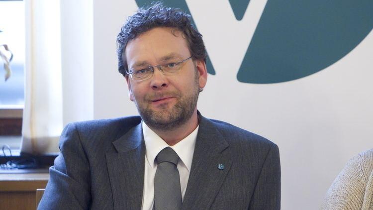 Helge Solum Larsen Helge Solum Larsen er dd Makro og politikk E24