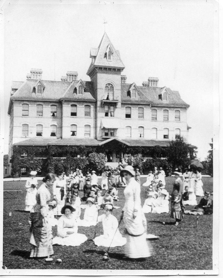 Hellmuth Ladies' College