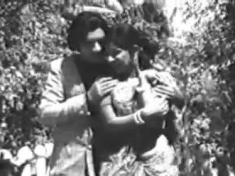 Hello Darling (1975 film) Kaattin Chilamboliyo Hello Darling 1975 YouTube