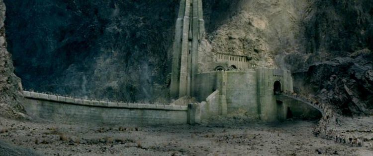 Helm's Deep 1000 images about Helm39s Deep on Pinterest Alan lee The siege