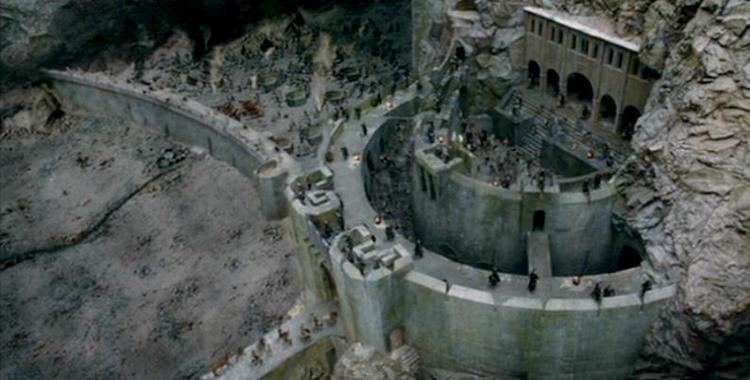 Helm's Deep 1000 images about Helms Deep on Pinterest Canon LOTR and Models