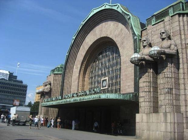 Helsinki Railway Square wwwfreemagazinefiimgrautatientori1jpg