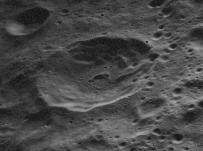Henderson (crater)