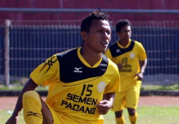 Hendra Bayauw PROFIL Pemain Muda Terbaik Indonesia Super League 2014