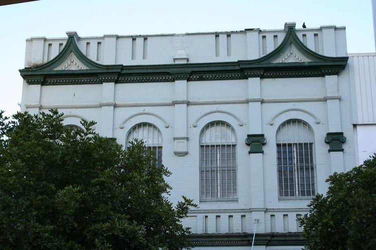 Henlein & Co Building