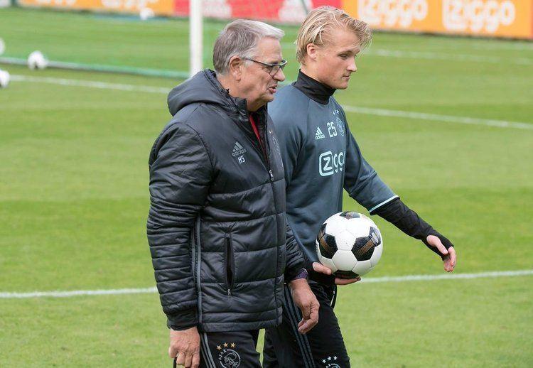 Hennie Spijkerman Assistentcoach hennie spijkerman is vandaag 66 jaar geworden