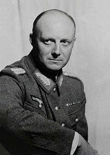 Henning von Tresckow httpsuploadwikimediaorgwikipediacommonsthu