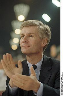 Henning Voscherau httpsuploadwikimediaorgwikipediacommonsthu
