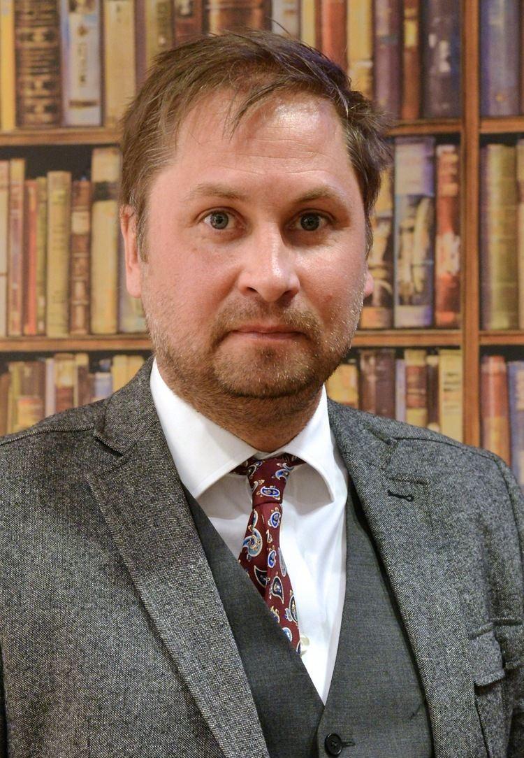 Henrik Arnstad httpsuploadwikimediaorgwikipediacommons44