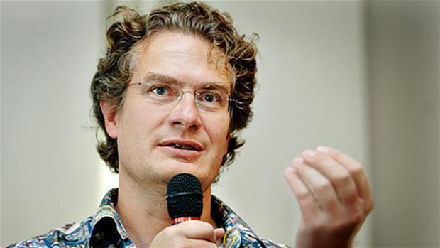 Henrik Dahl Henrik Dahl vil i Folketinget for Liberal Alliance