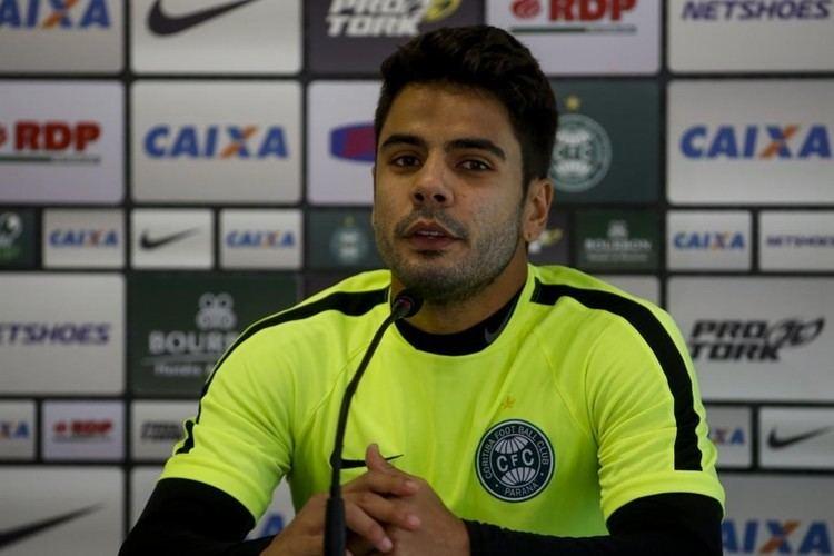 Henrique Almeida Henrique Almeida fez quase um tero dos gols do Coritiba