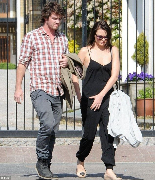 Henry Aitken Margot Robbie steps out with ex boyfriend Henry Aitken Daily Mail