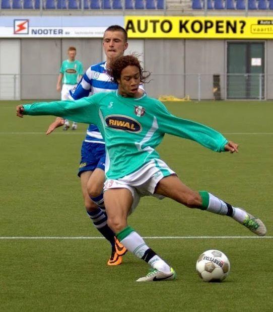 Henry Caldera (football) 20140722 Henry Caldera presents his U20 selection FFK