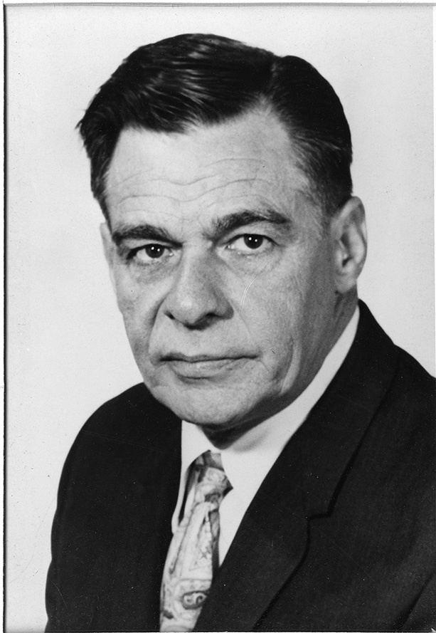 Henry E. Petersen httpsuploadwikimediaorgwikipediacommons44