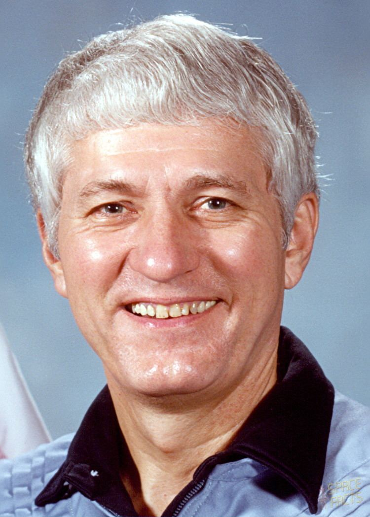 Henry Hartsfield Astronaut Biography Henry Hartsfield