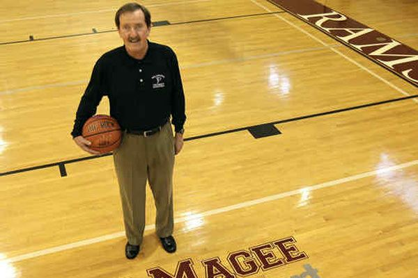 Herb Magee AT PHILADELPHIA UNIVERSITY HALF A CENTURY OF HERB MAGEE