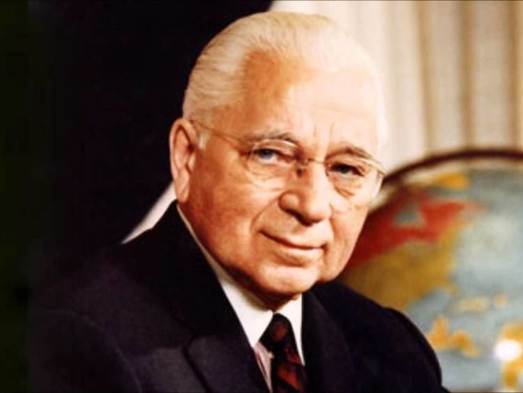 Herbert W. Armstrong Herbert W Armstrong Proving the TRUTHvia The World