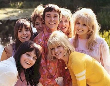Here We Go Round the Mulberry Bush (film) Here We Go Round the Mulberry Bush 1968 Modculture Modculture