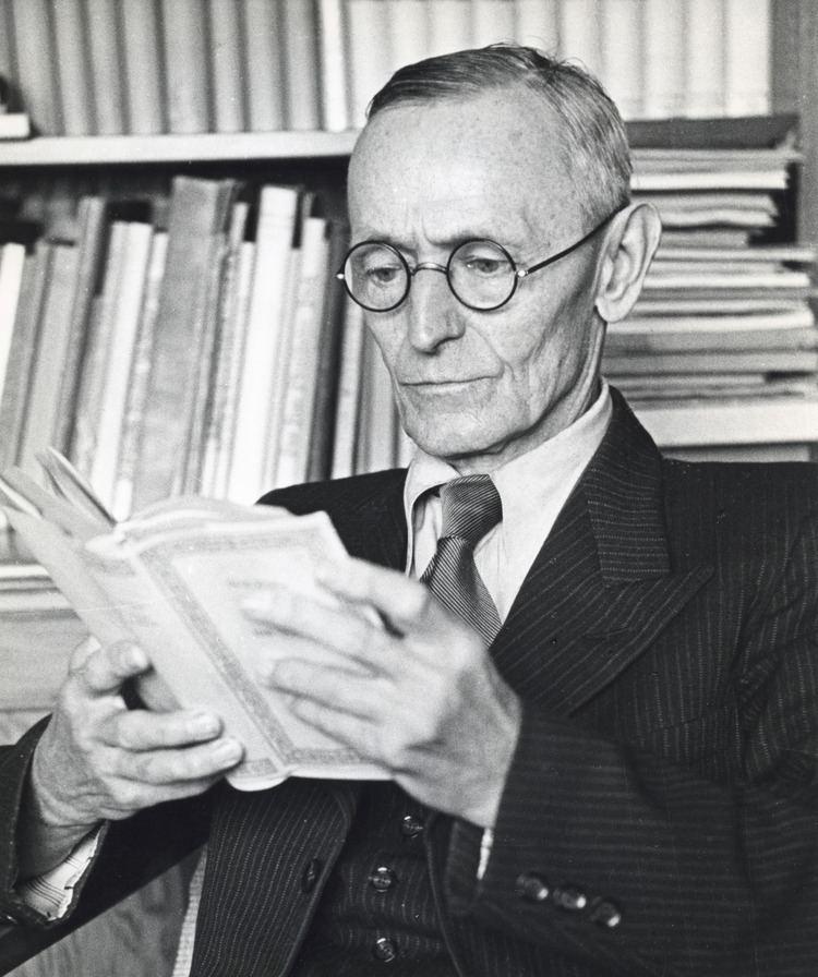 Hermann Hesse httpsuploadwikimediaorgwikipediacommonsdd