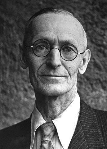 Hermann Hesse Siddhartha by Hermann Hesse JoV39s Book Pyramid
