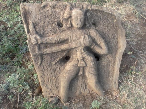 Hero stone Archaeologists in India Discover Ancient Hero Stones that Retell