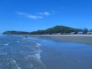 Hải Hòa Beach httpsuploadwikimediaorgwikipediacommonsthu
