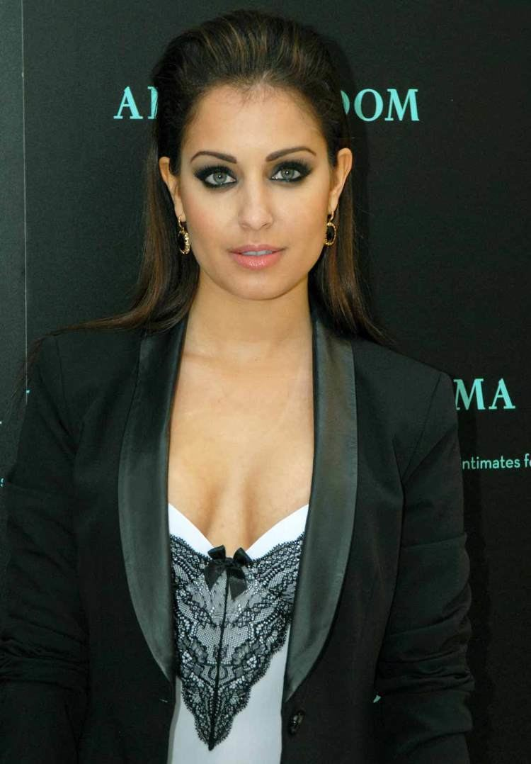 Hiba Abouk httpssmediacacheak0pinimgcomoriginalsb1