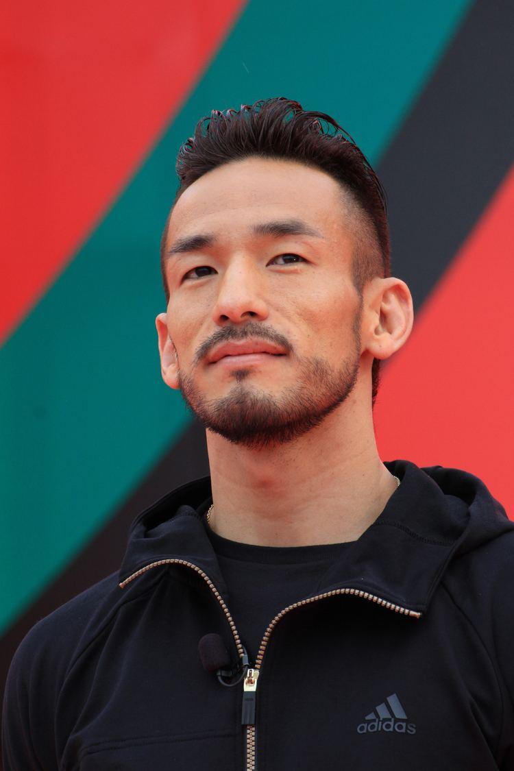 Hidetoshi Nakata httpsuploadwikimediaorgwikipediacommonsee